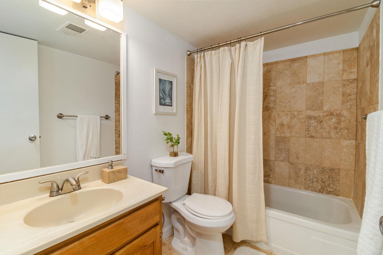 Buffalo Canyon Bathroom